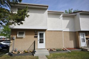 WORTH a LOOK AT THIS  DESIRABLE END UNIT TOWNHOUSE .... $184,500