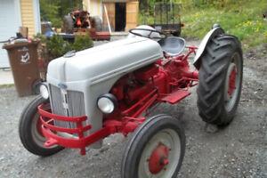 Tracteur antique Ford 9N - 1941 (pour collectionneur)