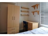Double room in student house in Leeds £75pw
