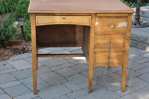 Vintage Students wooden desk $40 Cambridge Kitchener Area image 1