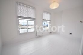 An impressive 4 bed house is set in Belsize Park within short walk away to local transport routes