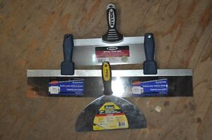 4 Brand new spatulas