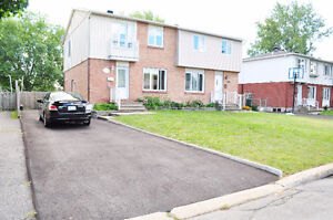 Maison a louer/House for rent in Brossard! 3mins walk to bus!