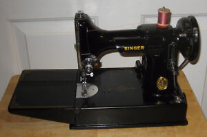 Singer 221 Featherweight With Case