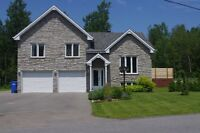 Stunning split level home in St lazare