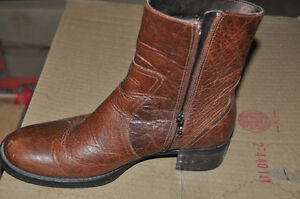 Brown ROCKPORT shoes/booties