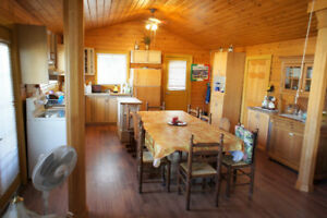 $153,500 Beautiful 2 Bedrooms cottage FOR SALE, on Lakeshore Rd