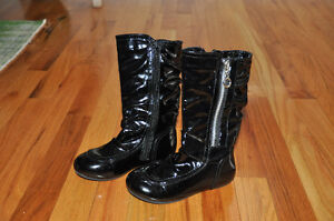 Boots girl, size 10
