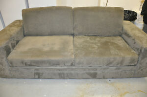 oversize couch London Ontario image 4
