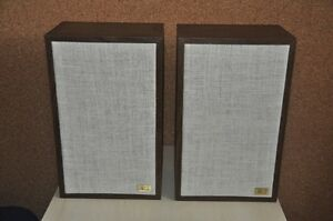 Acoustic Research Speakers model AR 7
