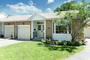 Gorgeous 2 bedroom bungalow in Amberwood golf - Stittsville