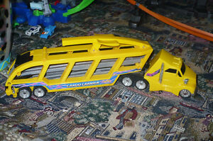 Hot Wheels Mega Pack --- Asking $50 Strathcona County Edmonton Area image 8
