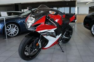 2013 RED GSXR600 FOR SALE