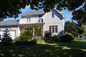 OPEN HOUSE SUN. 2:00-4:00  MOVE IN READY!
