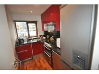 *Spacious 1 double bedroom flat minutes from Warren St fitted kitchen wood flooring.. GCH 15 Sept*