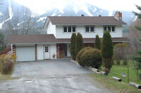 Beautiful home on five acres for long term rental in FERNIE