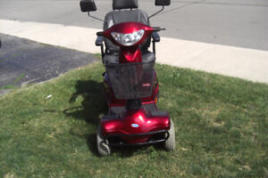 4 wheel Invacare Auriga 10 mobility scooter with warranty  middl