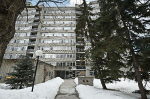 2 bedroom + den condo in the Golden Trianlge, steps to the canal