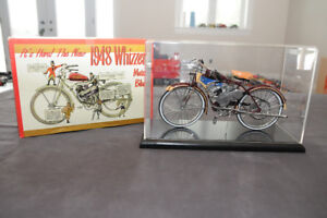 1948 1/6th scale Whizzer Motor bicycle box & display