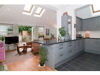 3 bedroom flat in Danehurst Street, Fulham, SW6