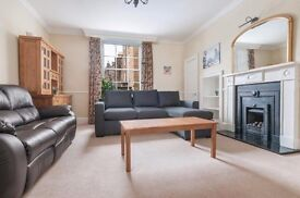 Exceptional 2 bed basement flat in Edinburgh's New Town available November – NO FEES