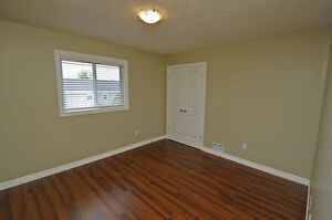House - 2BR Executive Suite in Shakespeare-SEE OPEN HOUSE HOURS Stratford Kitchener Area image 5