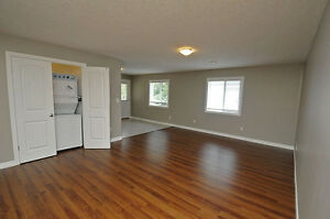 House - 2BR Executive Suite in Shakespeare-SEE OPEN HOUSE HOURS Stratford Kitchener Area image 9