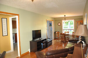 Beautiful Family Home Available End of Dec/Jan 1st. Kitchener / Waterloo Kitchener Area image 3