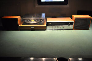 Vintage Receiver and Turn table