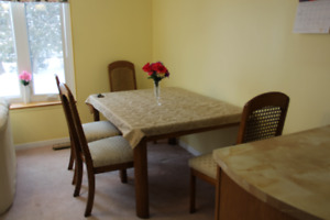 All inclusive close to Algonquin and Carleton university