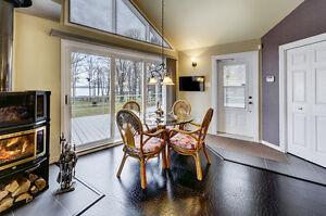 Superbe maison, vue et accès au Fleuve, terrain + 100,000 pieds Québec City Québec image 12