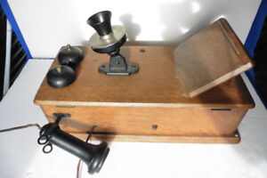 Crank Wall phone Stromberg Oak Case Antique
