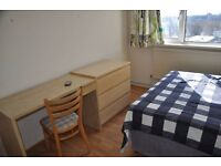 Large Double room in Notting Hill Gate