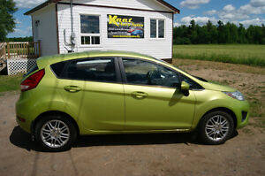 2012 Ford Fiesta AUTO LOADED Hatchback