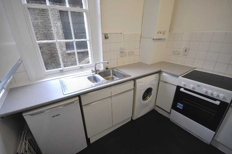*Large 2 double bedroom flat (no lounge) fitted kitchen period conversation minutes from Camden*