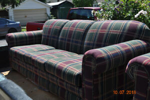 $50.00   COUCH  REDUCED, EXC CONDITION.  NO HOLES RIPS, NO SAGS.