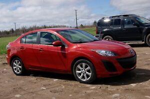 2011 Mazda Mazda3 GX SEDAN SO NICE