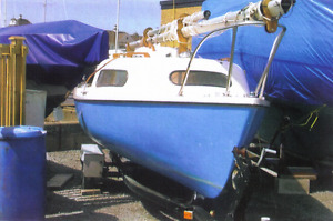 Siren 17' Sailboat