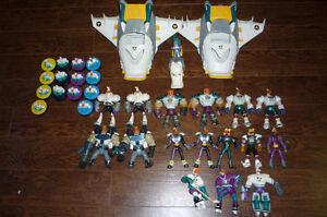 MIGHTY DUCKS HUGE LOT OF 33 TOYS AND VEHICLES