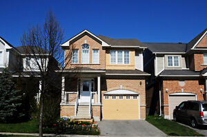 House for Rent in Oshawa - Close to UOIT/Durham College