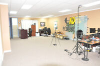 CHEAP SPACE FOR RENT-PHOTO-SHOOT, MEETING, VIDEO SHOOT...ETC
