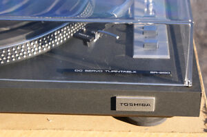 Toshiba SR-250 Turntable in excellent condition Kingston Kingston Area image 2