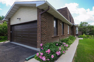 4 bedrooms Detached home at excellent location in Orleans