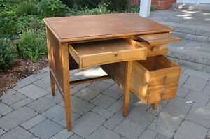 Vintage Students wooden desk $40 Cambridge Kitchener Area image 2
