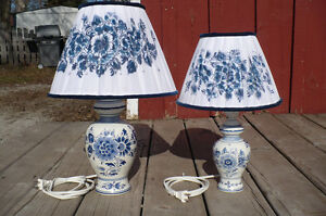 2 Delft Electric Lamps Lights Blue White Shades Pair Used Décor