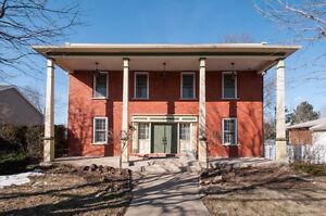 Magnifique maison ancestrale entretenue fièrement à Chambly