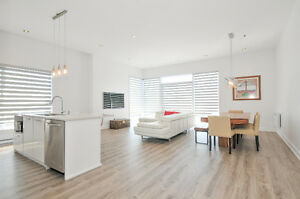 OPEN HOUSE-STUNNING MODERN LUXURY CONDO IN FANTASTIC LOCATION