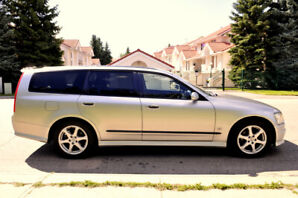 2002 Nissan Stagea 250t RS Four Turbo Wagon.