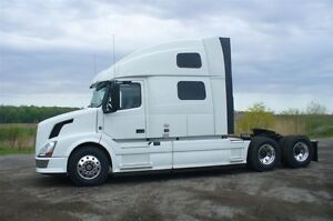 VOLVO 2014 VNL780 AUTO  D13 USED TRUCK For Sale