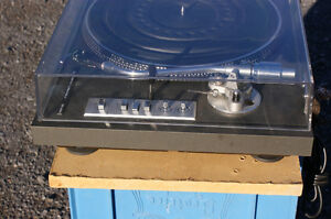 Toshiba SR-250 Turntable in excellent condition Kingston Kingston Area image 3